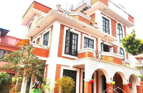 5BHK Bungalow House for Sale at Ullens School