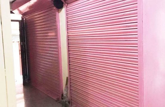 Ready To Move Shutter For Rent: Complex Shutter