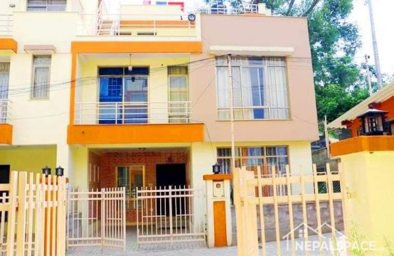 House on sale in Mangal Colony