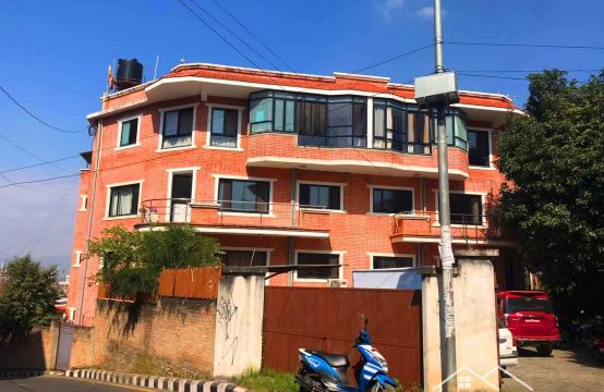 Commercial Space For Rent : Semi Furnished Office Space