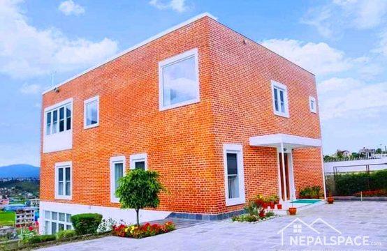 भैंसेपाटी,ललितपुर, मगर गाउँमा हालसालै निर्मित आकर्षक २.५ तले नयाँ घर तुरुन्त बिक्रीमा!!!