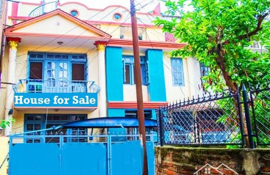 House for urgent sale: Flat system house