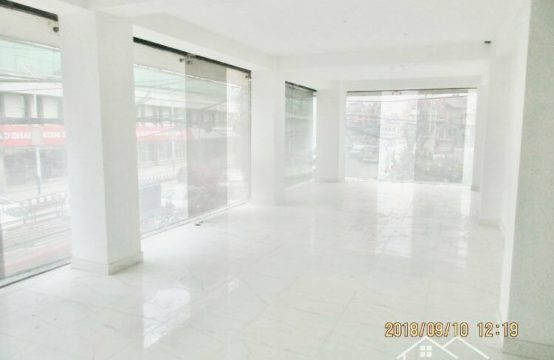 Commercial space for Rent: Suitable for Showrooms purpose