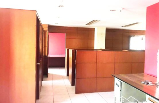 Semi-Furnished commercial space for Rent