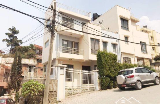 House for Rent: ललितपुर विनायक कोलोनिमा २.५ तले आकर्षक घर तुरुन्त भाडामा!!!